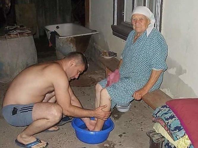 Мать давно фото утеха её старушка мужа только сын без