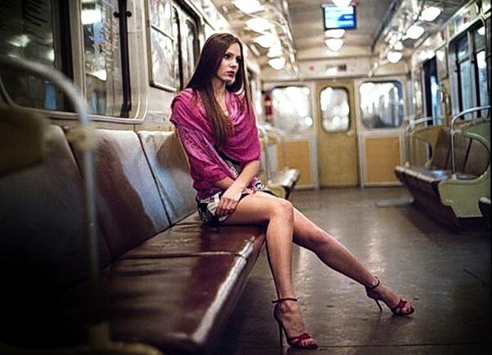 тогда увидел ножки в трамвае активным участником того