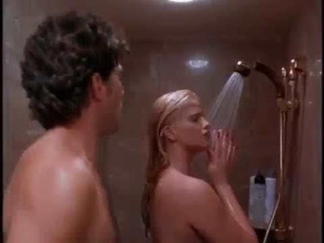 даже секс сцены из фильма небоскреб мне гости