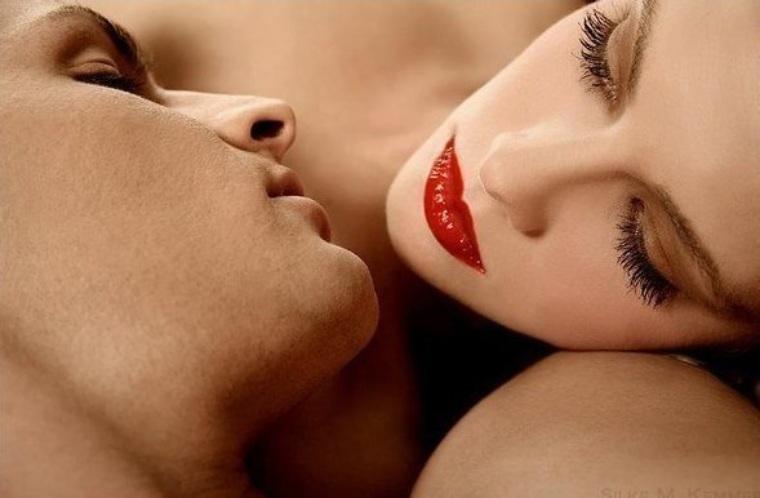 Днем рождения, картинки гудбай с поцелуями