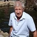Владимир, 69 из г. Москва.