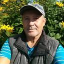 Геннадий Петров, 66 лет